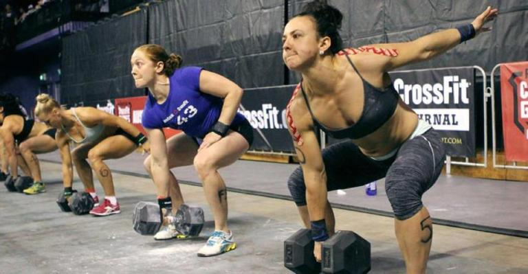 crossfit-girls-dumbbell-snatch