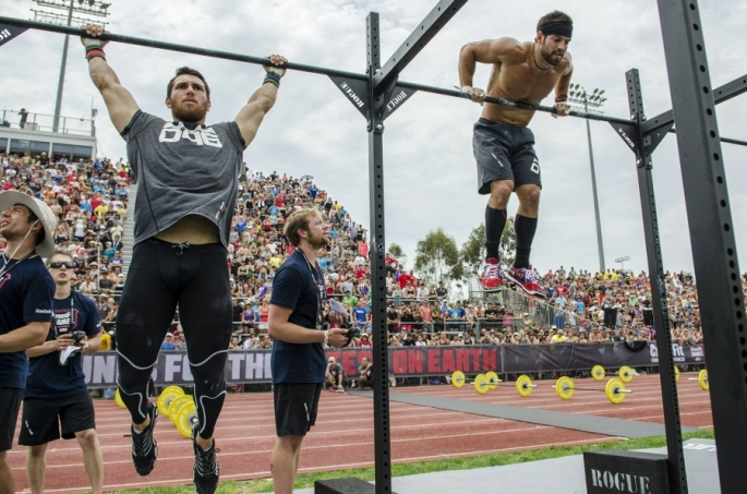 Games2012_TrackTriplet_FroningLeverich_muscleup_0